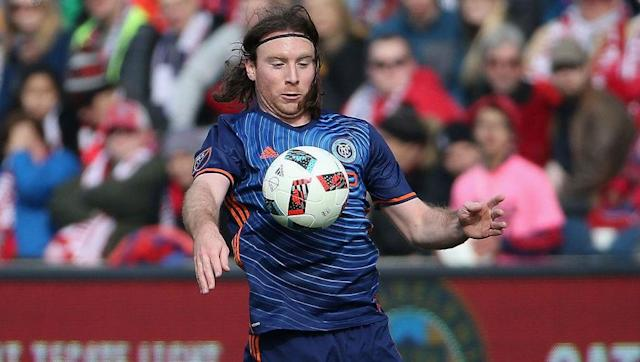<p>Thomas McNamara really is living the American Dream as he pursues a career in football despite looking like anything but a footballer.</p> <br><p>A cult hero at New York City FC, McNamara may look like Brad Guzan wearing a wig but he is allegedly a dynamic and marauding winger.</p> <br><p>Whether it is the hair, the fashion accessories or the physique, McNamara looks nothing like a footballer but miraculously is forging out a successful career for himself.</p>