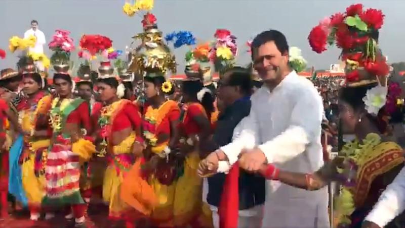 Watch: Rahul Gandhi Dances With Tribals in Odisha, Video Goes Viral
