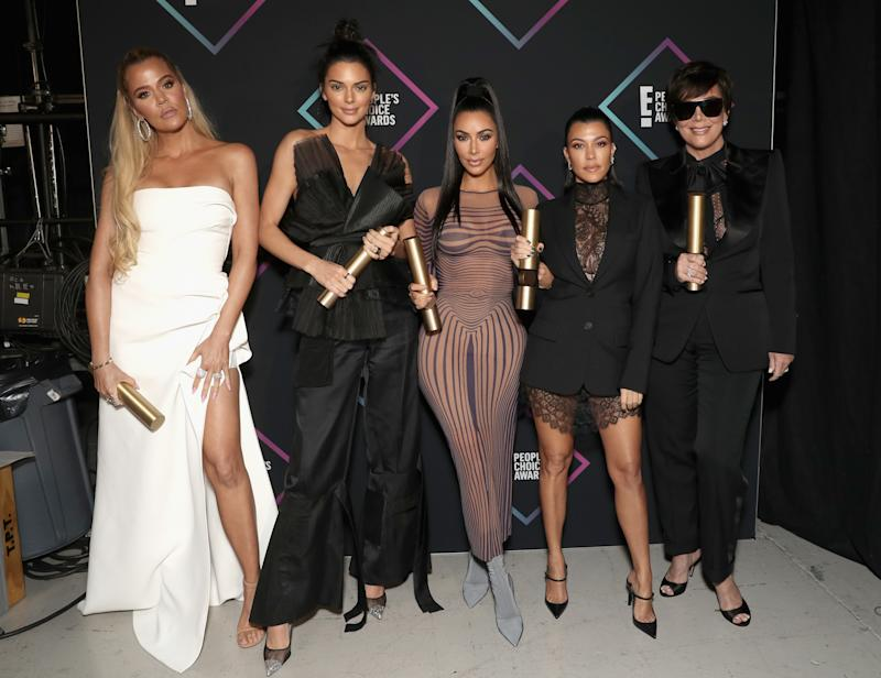 SANTA MONICA, CA - NOVEMBER 11: 2018 E! PEOPLE'S CHOICE AWARDS -- Pictured: (l-r) Khloe Kardashian, Kendall Jenner, Kim Kardashian, Kourtney Kardashian and Kris Jenner backstage during the 2018 E! People's Choice Awards held at the Barker Hangar on November 11, 2018 -- NUP_185073 -- (Photo by Todd Williamson/E! Entertainment/NBCU Photo Bank/NBCUniversal via Getty Images)