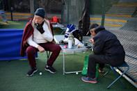The ping-pong tables in Qinfeng Park are usually open from early morning until late evening, and are regularly packed