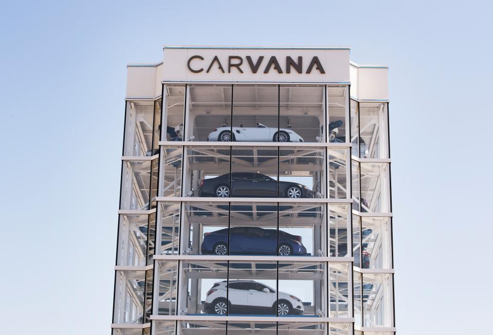 An eight story car vending machine, operated by the online used car dealer Carvana, that dispenses purchased cars to customers is seen in Huntington Beach, California on August 16, 2019. - The fully automated, special coin-operated Car Vending Machine holds up to 30 vehicles and the company says it offers a novel pick-up experience for cars purchased on their website. (Photo by Mark RALSTON / AFP)        (Photo credit should read MARK RALSTON/AFP via Getty Images)