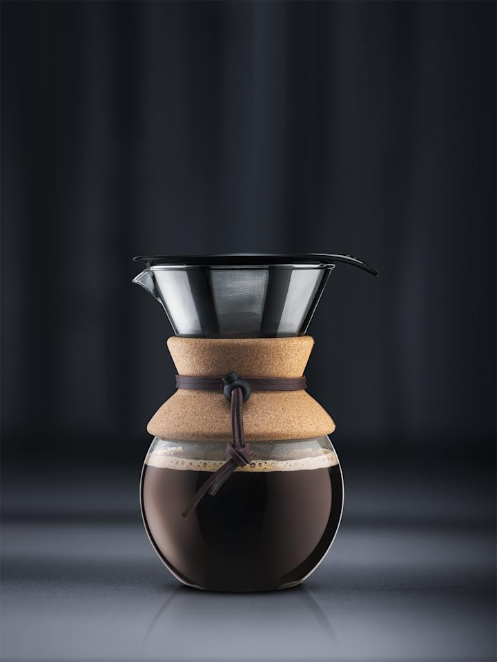 "<p>The simple method many <a href=""https://www.marthastewart.com/1512670/coffee-makers-decoded"">coffee connoisseurs</a> use is pour over. The classic version is a ceramic model that sits in your cup holding a paper filter with the coffee, water is added slowly. This pour over set from Bodum might be better for the desk life because it comes with a permanent metal filter (no paper filters needed) and a carafe to brew into that can also be used as a holder for the pour over after you've brewed. Another bonus: It makes up to 17 ounces of coffee.</p><p><em>Bodum Pour Over Set with Permanent Filter, $14.99, </em><a href=""https://goto.walmart.com/c/249354/565706/9383?u=https%3A%2F%2Fwww.walmart.com%2Fip%2FPour-Over-Coffee-Maker-with-Permanent-Filter-17-Oz-Cork%2F421814354&amp;subid1=MMSLHOMEDeskTeaAndCoffeeMakersVSpencerAug19""><em>walmart.com</em></a>.</p>"
