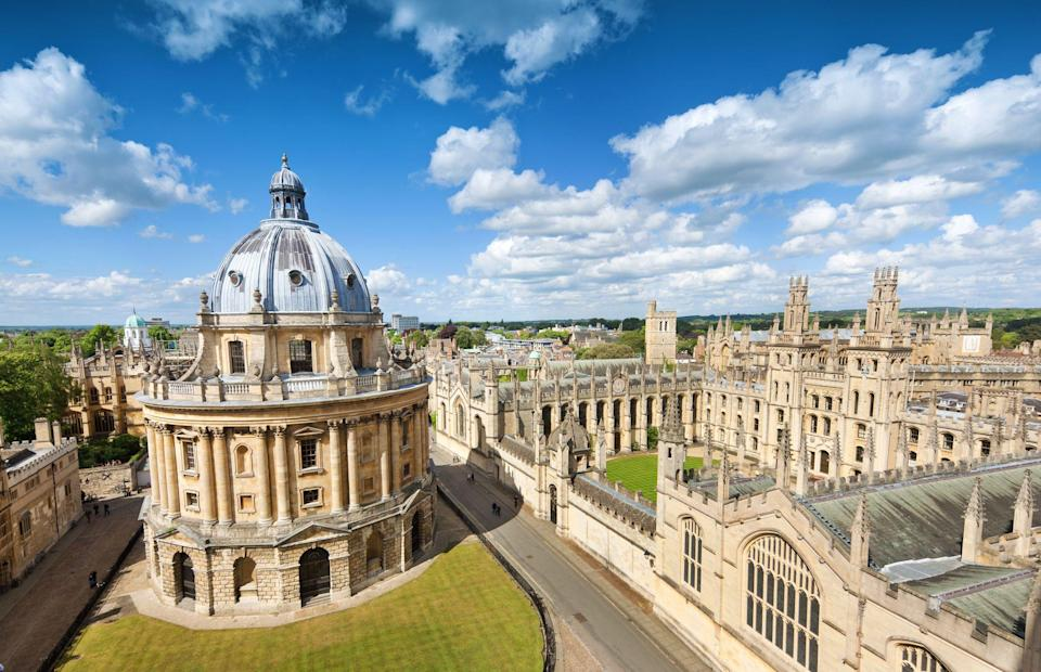 """<p>Gourmands in search of their next destination for a foodie break in Britain should look no further than one of the south east's prettiest cities, where many of the top things to do in Oxford are centred around food, making it a fine choice for indulging in one of life's greatest pleasures on a weekend break.</p><p>Whatever your culinary style, whether you're looking to eat like a local in a <a href=""""https://www.redonline.co.uk/travel/inspiration/g503337/six-of-the-best-gastro-pubs-with-rooms/"""" rel=""""nofollow noopener"""" target=""""_blank"""" data-ylk=""""slk:cosy pub"""" class=""""link rapid-noclick-resp"""">cosy pub</a>, or splash the cash in a top-notch restaurant at <a href=""""https://www.redescapes.com/collection/hotel-only?locations%5Bsearch%5D=Oxford%2C+UK&locations%5Bgeo%5D=51.704532%2C-1.319999%2C51.796301%2C-1.175176"""" rel=""""nofollow noopener"""" target=""""_blank"""" data-ylk=""""slk:Oxford hotels"""" class=""""link rapid-noclick-resp"""">Oxford hotels</a>, here are five reasons why an Oxford city break needs to be on your gourmet bucket list and the best food places to visit in Oxford.</p>"""