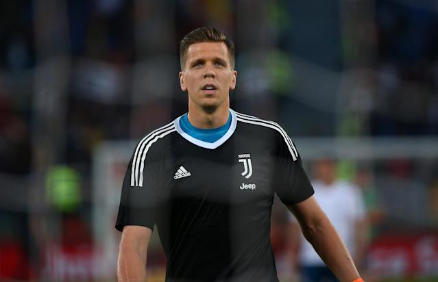 Soccer Football - Serie A - AS Roma vs Juventus - Stadio Olimpico, Rome, Italy - May 13, 2018 Juventus' Wojciech Szczesny during the warm up before the match REUTERS/Alessandro Bianchi