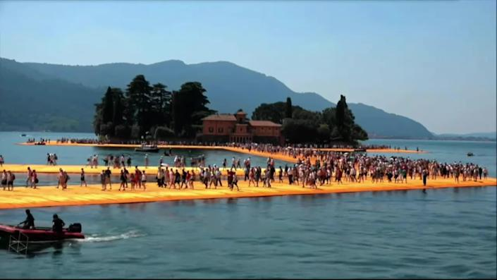 Christo's Floating Piers. / Credit: CBS News