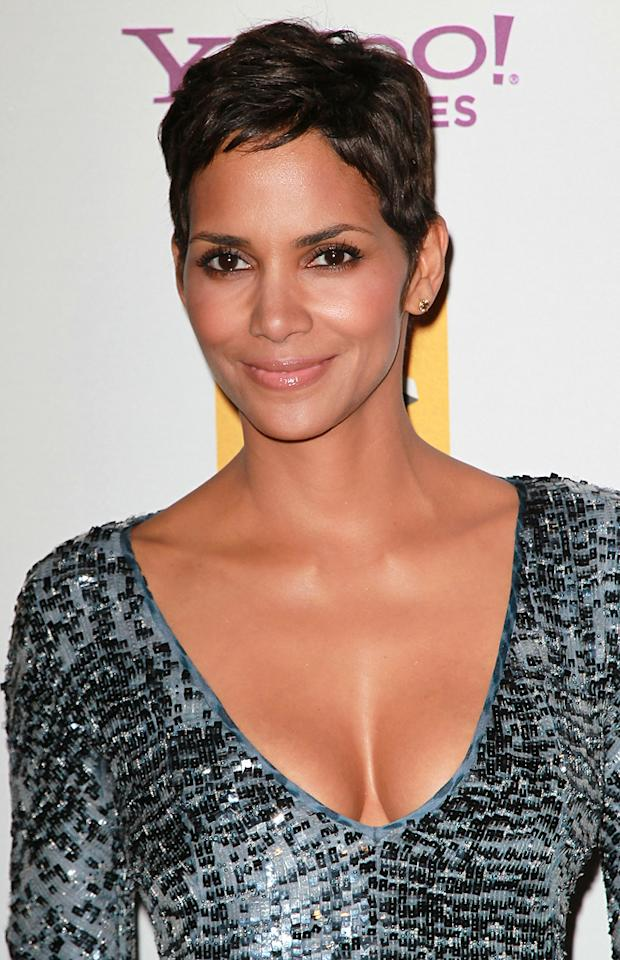 "<a href=""http://movies.yahoo.com/movie/contributor/1800019906"">Halle Berry</a> attends the 14th Annual Hollywood Awards Gala at the Beverly Hilton Hotel on October 25, 2010."