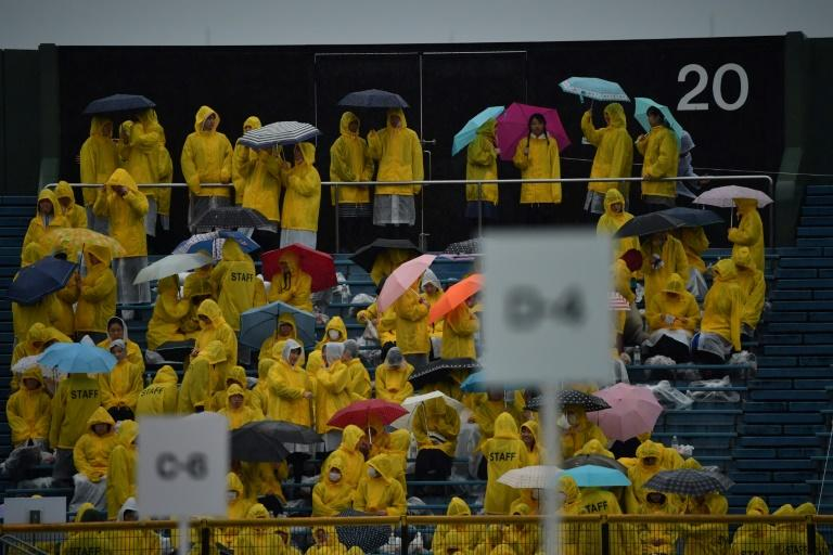People waited in the rain for Pope Francis