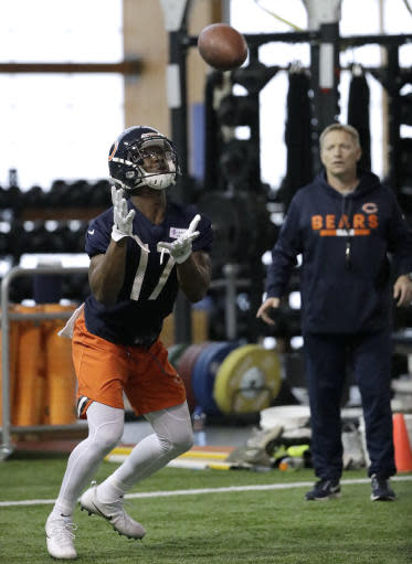 Chicago Bears wide receiver Anthony Miller catches a ball during the NFL football team's rookie minicamp Friday, May 11, 2018, in Lake Forest, Ill. (AP Photo/Nam Y. Huh)