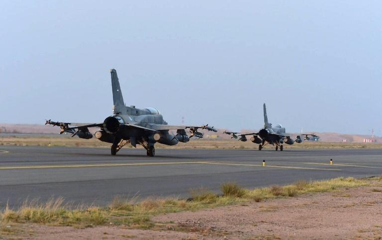 The United States will no longer provide mid-air refuelling support to Saudi-led coalition warplanes carrying out sorties over Yemen, like these Emirati aircraft seen at a Saudi base in 2015