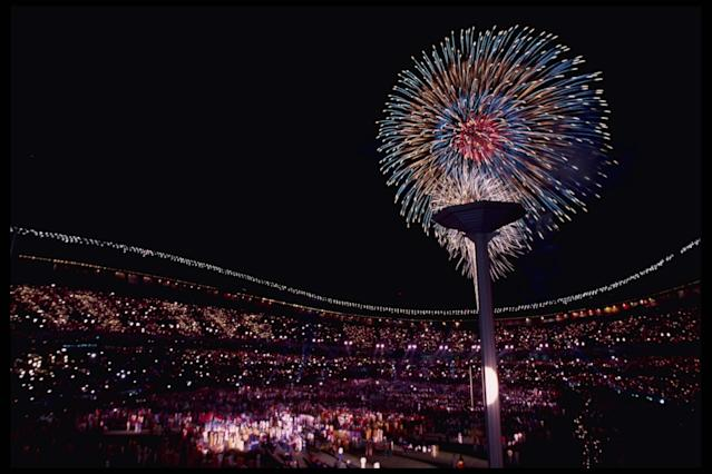 2 Oct 1988: Fireworks light up the night sky during the Closing Ceremony for the 1988 Summer Olympics in Seoul, South Korea. Mandatory Credit: Billy Stickland/Allsport