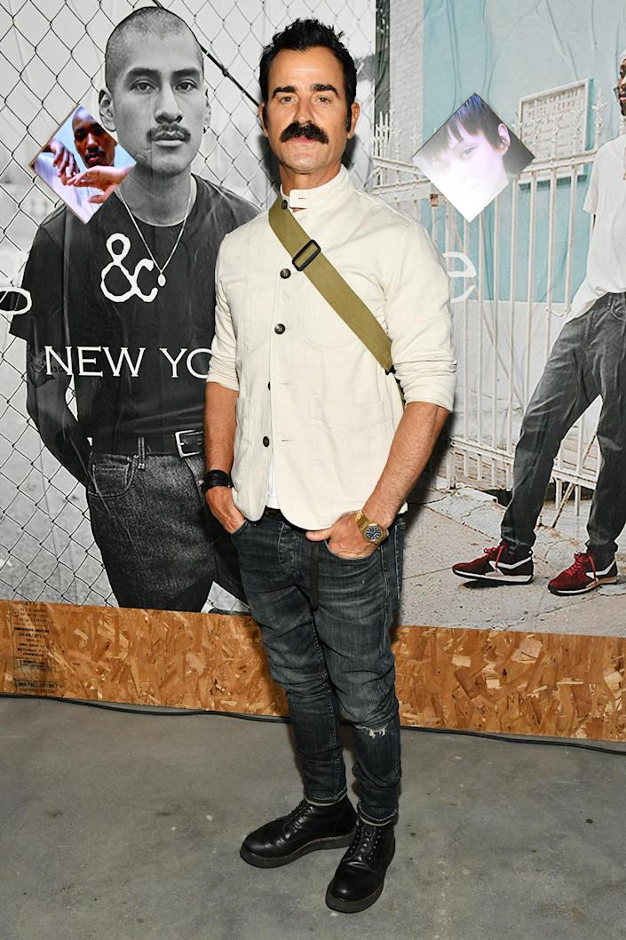 <p>Justin Theroux gets serious on Sept. 16 at the rag & bone Deli Pop-Up Party co-hosted with his bar Ray's in Brooklyn, New York. </p>