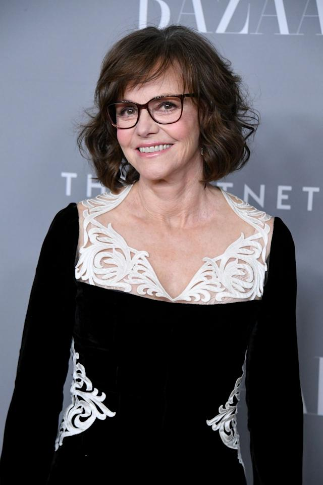 "<p><a rel=""nofollow"" href=""https://www.goodhousekeeping.com/life/g24082934/sally-field-photos-young/"">Sally Field</a>'s hairstyle shows us how a curling iron and a little bit of teasing at the root can go a long way.  </p>"