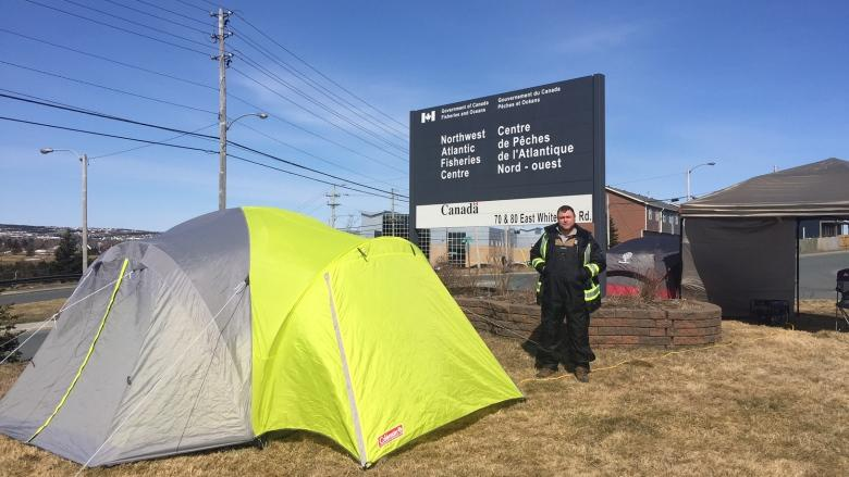 Weaker but steadfast: Richard Gillett's hunger strike outside DFO enters 6th day