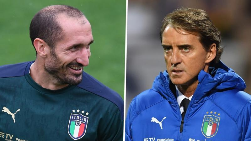 'I didn't have my glasses on!' - Italy boss Mancini admits to accidentally leaving Chiellini on the bench against Bosnia
