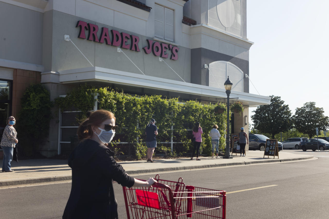 Who's Enforcing Mask Rules? Often Retail Workers, and They're Getting Hurt
