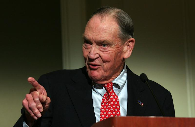 UNITED STATES - APRIL 11: John 'Jack' Bogle Sr., founder of Vanguard Group, speaks at the Council of Institutional Investors spring luncheon in Washington D.C. April 11, 2005. (Photo by Ken Cedeno/Bloomberg via Getty Images)