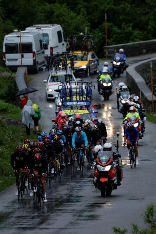 The peloton suffered in the cold Sunday conditions