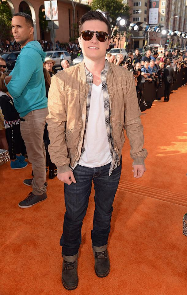 Josh Hutcherson arrives at the 2012 Nickelodeon Kids' Choice Awards in Los Angeles, California.