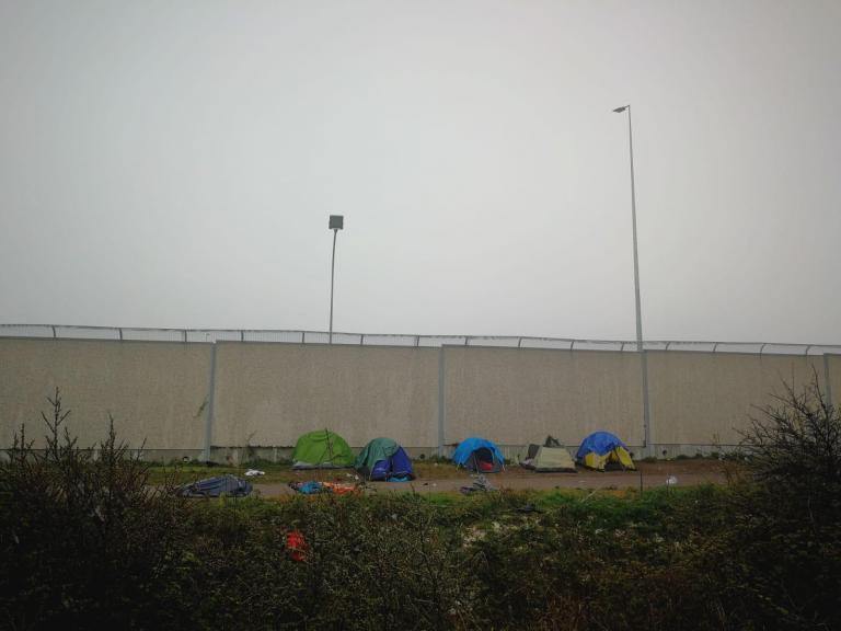 Surge in child refugees in Calais as conditions reach 'breaking point'