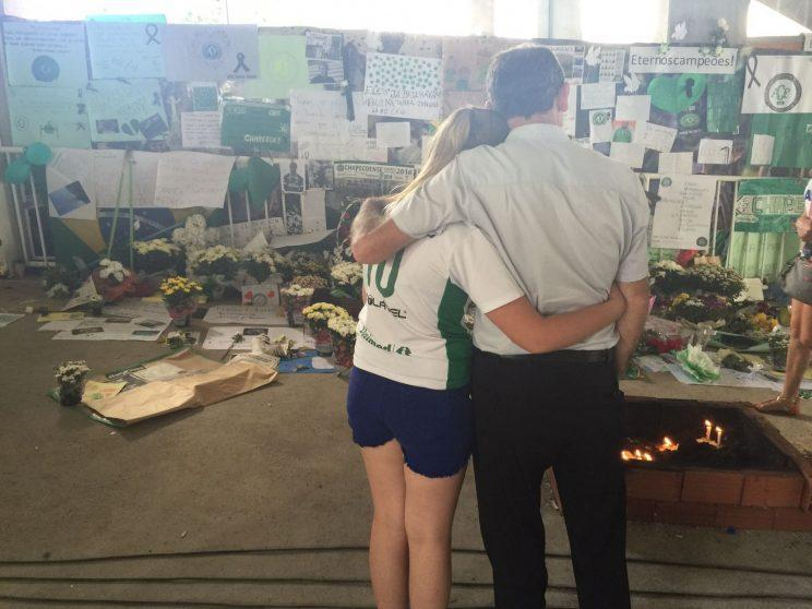 Residents of Chapeco mourn the loss of their soccer team. (Yahoo Sports)