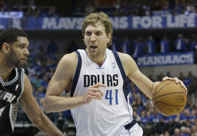 Sources: Mavs' Dirk Nowitzki takes pay cut; team met with PG Maurice Williams