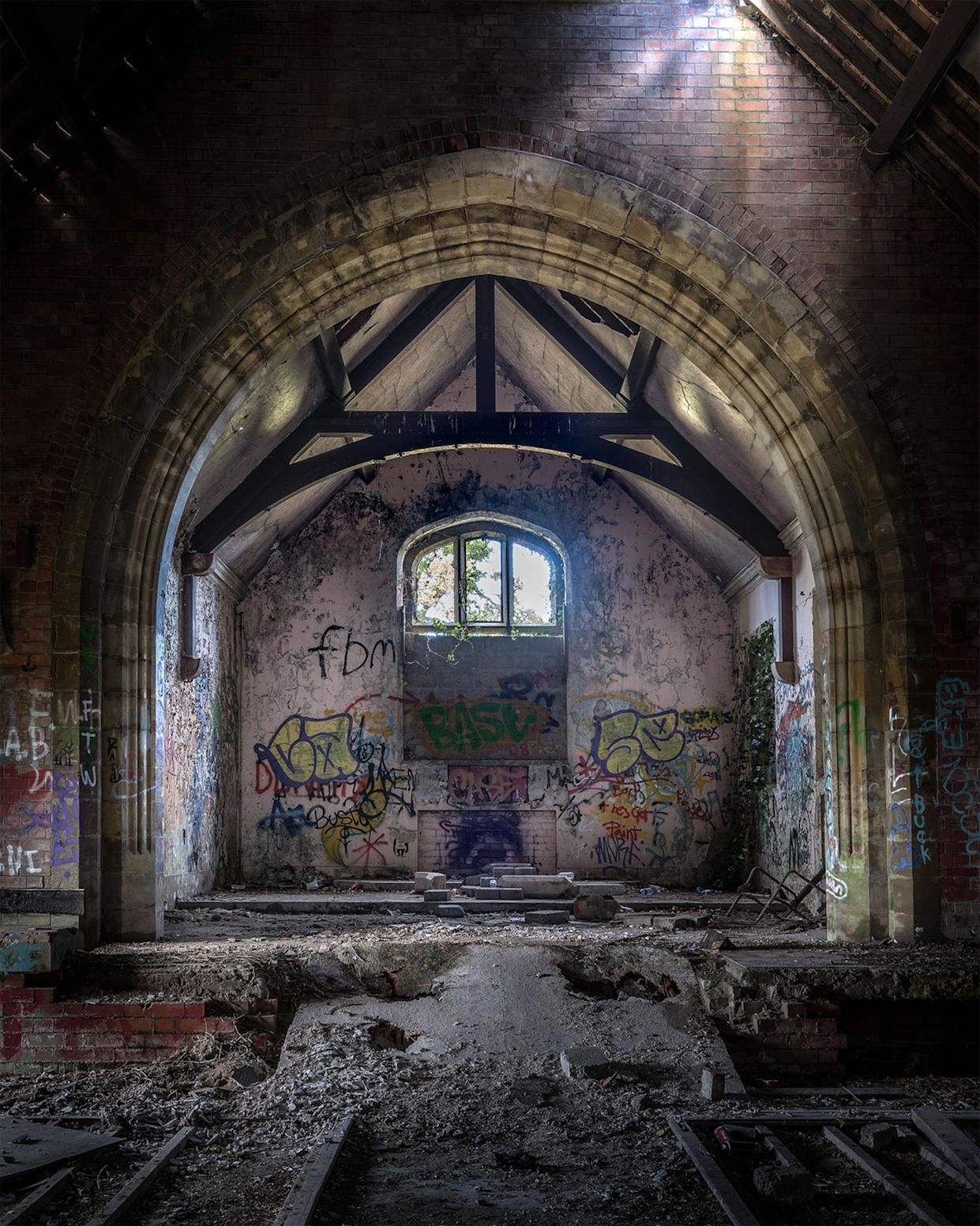 Graffiti and rubble inside an abandoned church in Northern Ireland, March 12, 2018. (Photo: Unseen Decay/Mercury Press/Caters News)