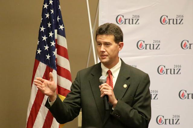 In this file photo from 2015, Alabama Secretary of State John Merrill (R) introduces Sen. Ted Cruz (R-Texas) at an event.  (Icon Sports Wire via Getty Images)