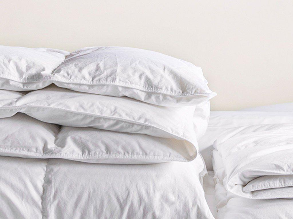 """<p><strong></strong></p><p>brooklinen.com</p><p><strong>$199.00</strong></p><p><a href=""""https://go.redirectingat.com?id=74968X1596630&url=https%3A%2F%2Fwww.brooklinen.com%2Fcollections%2Fdown-comforters%2Fproducts%2Fdown-comforter%3Fvariant%3D6963819459&sref=http%3A%2F%2Fwww.housebeautiful.com%2Fshopping%2Fhome-accessories%2Fg23102810%2Fbest-comforters%2F"""" target=""""_blank"""">BUY NOW</a></p><p>If a down alternative isn't for you and you'd prefer to stick with the real deal, Brooklinen's all-season down comforter has you covered—it's handmade and gives you just the right balance of warmth without too much weight. </p>"""