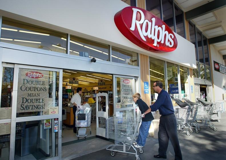 Kroger, owner of Ralphs and other chains, announced a hiring spree Friday.