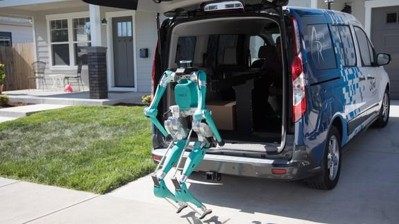 The walking robot that assists driverless delivery vans