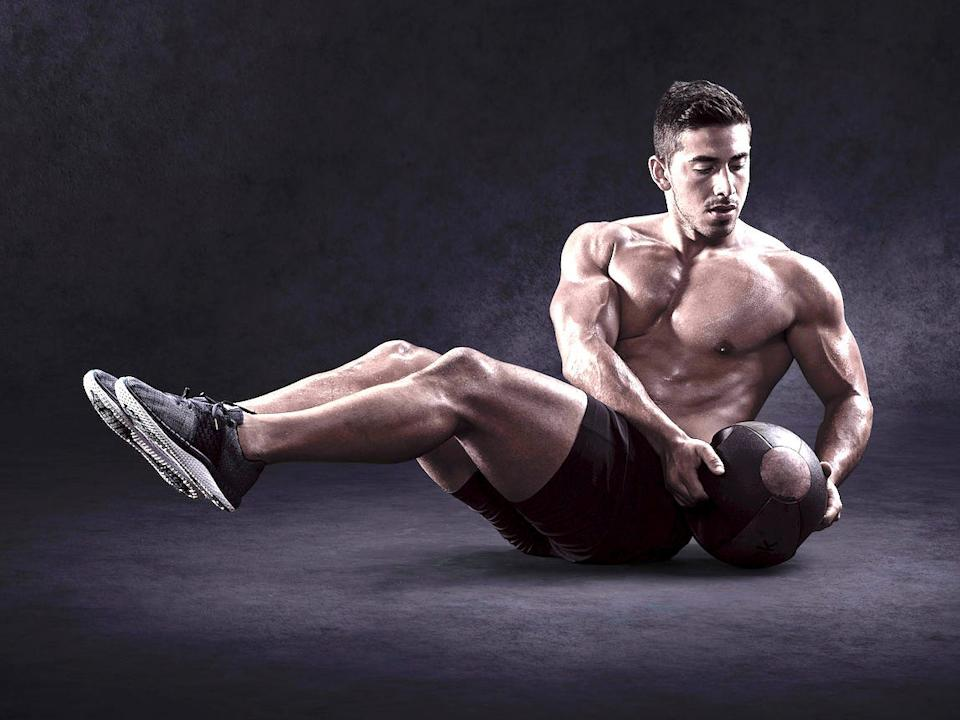 Jono Castano is a trainer who focuses on fitness transformations.