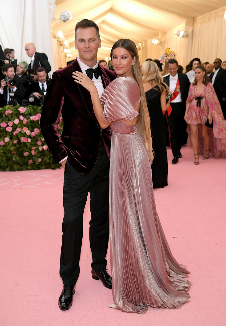 """<h1 class=""""title"""">Tom Brady and Gisele Bundchen in Dior Haute Couture with Âme jewelry and Lynn Ban jewelry</h1><cite class=""""credit"""">Photo: Getty Images</cite>"""