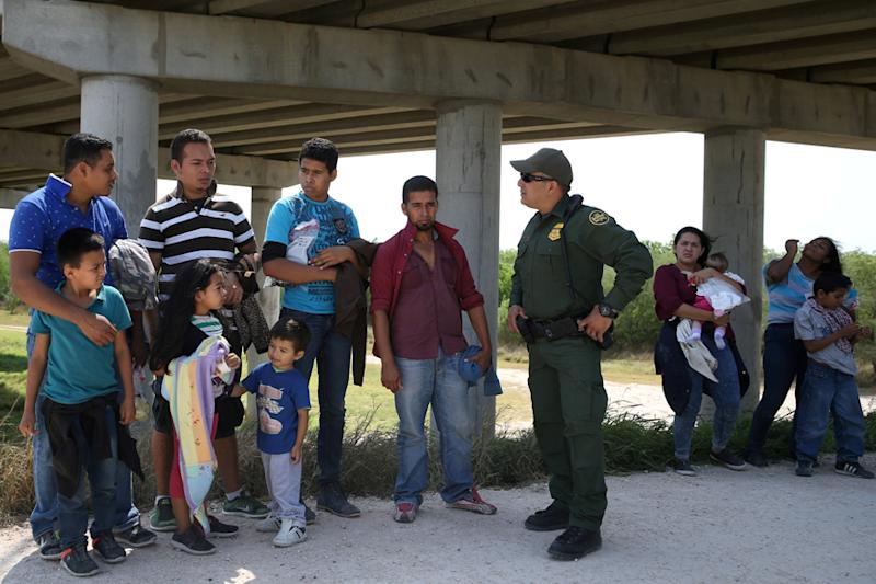 In Crackdown on Undocumented Migrants, US to Allow Indefinite Detention of Children and Families