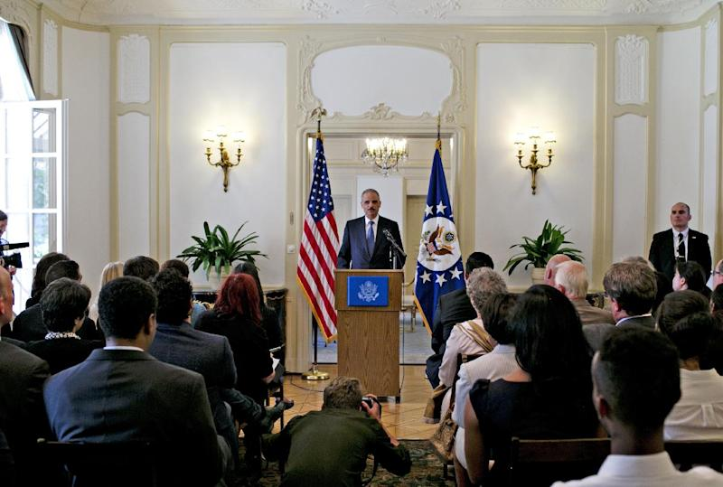 US attorney general Eric Holder speaks at the US ambassador's residence in Oslo on July 8, 2014 (AFP Photo/Anette Karlsen)