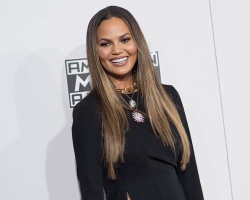 """Chrissy Teigen pokes fun at her legs with funny """"Family Guy"""" meme and now we love her even more"""