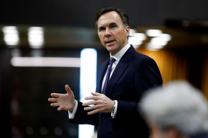 Canada should focus on boosting the economy even as debt climbs: analysts