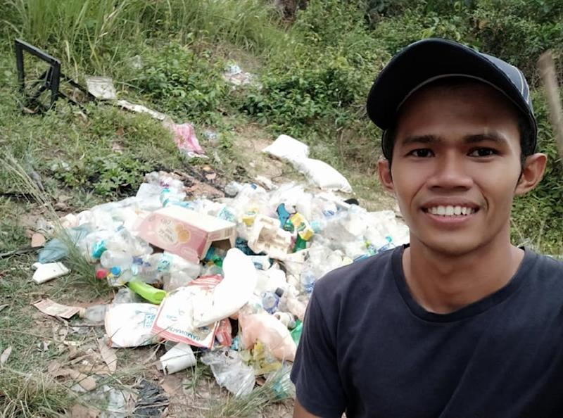 Ameer wants to draw attention to litter problems that are plaguing vacation spots in Malaysia. — Facebook/ameer.rul.3