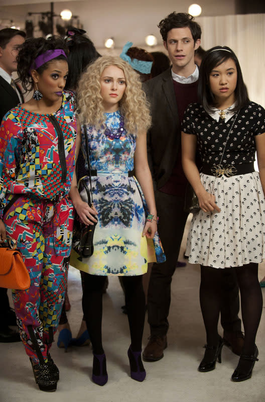 """Read Before Use"" -- Freema Agyeman as Larissa, AnnaSophia Robb as Carrie, Kyle Harris as Seth, and Ellen Wong as Mouse"