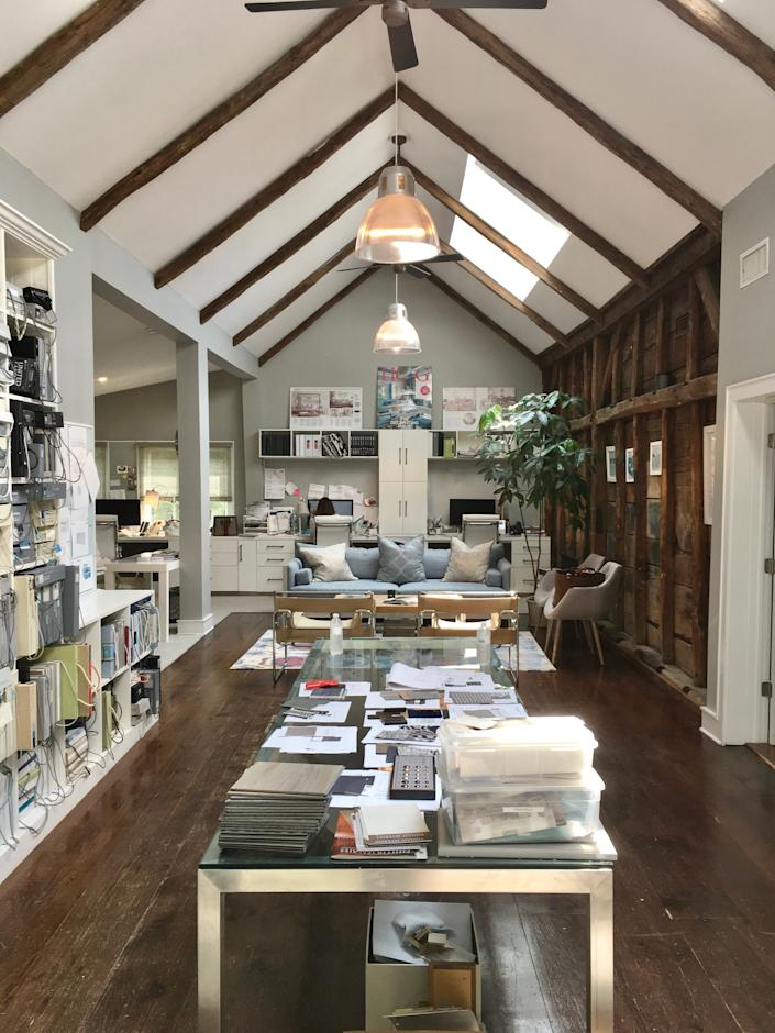 """<h1 class=""""title"""">Mabley Handler</h1> <div class=""""caption""""> Mabley Handler Interior Design's design studio in the Hamptons, formerly artist Warren Brandt's studio, is adjacent to the designers' family home. </div>"""