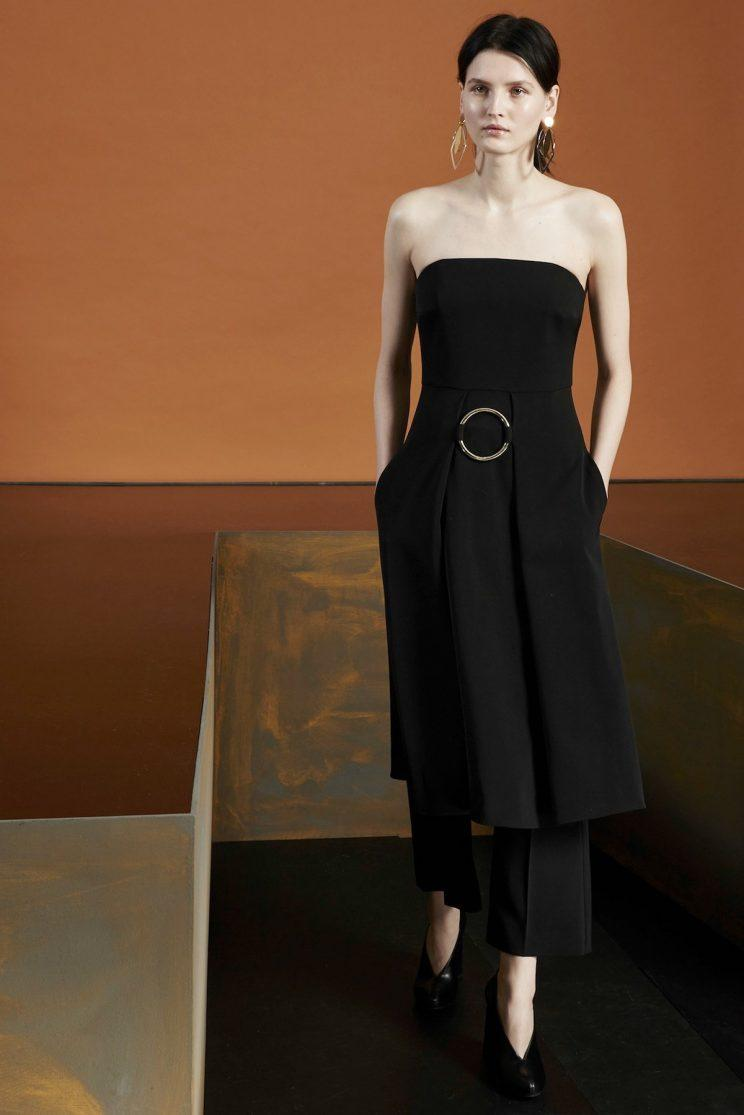Stella McCartney brought the O-ring back as a sculptural belt buckle.