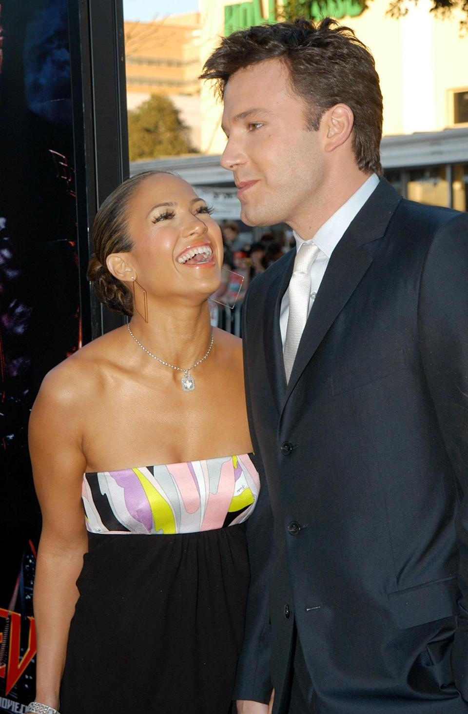 <p>Jen just couldn't contain her laughter at the LA premiere of Ben's movie <strong>Daredevil </strong>in February 2003. </p>