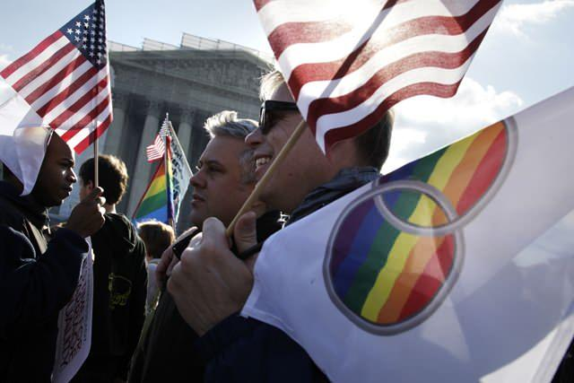Protestors rally in support of gay marriage in front of the Supreme Court, March 27, 2013.(Reuters/Jonathan Ernst)