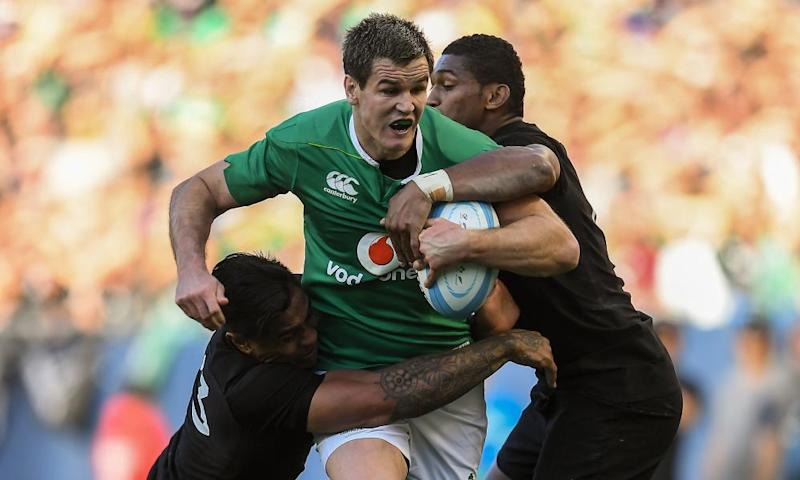 Ireland v New Zealand - International matchIllinois , United States - 5 November 2016; Jonathan Sexton of Ireland is tackled by Malakai Fekitoa, left, and Waisake Naholo of New Zealand during the International rugby match between Ireland and New Zealand at Soldier Field in Chicago, USA. (Photo By Brendan Moran/Sportsfile via Getty Images)