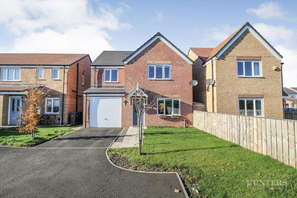 """<p>On the market for just £235,000, this spacious four-bedroom detached home is a real bargain. Inside you'll find a modern living area, kitchen/diner, a utility room and a large entryway. </p><p><a href=""""https://www.onthemarket.com/details/9570104/"""" rel=""""nofollow noopener"""" target=""""_blank"""" data-ylk=""""slk:This property is currently on the market for £235,000 with Hunters at OnTheMarket"""" class=""""link rapid-noclick-resp"""">This property is currently on the market for £235,000 with Hunters at OnTheMarket</a></p>"""
