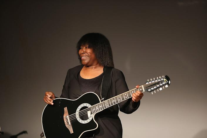 NEW YORK, NY - SEPTEMBER 29:  Joan Armatrading performs at City Winery on September 29, 2015 in New York City.  (Photo by Al Pereira/WireImage)
