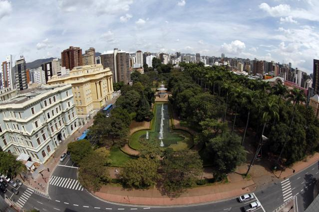 A general view of downtown Belo Horizonte April 9, 2014. Belo Horizonte is one of the host cities for the 2014 World Cup in Brazil. Picture taken April 9, 2014. REUTERS/Washington Alves (BRAZIL - Tags: CITYSCAPE SPORT SOCCER WORLD CUP TRAVEL)