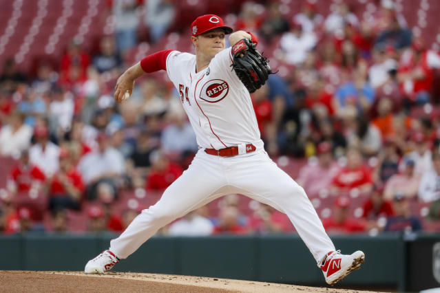 Cincinnati Reds starting pitcher Sonny Gray throws in the first inning of a baseball game against the Atlanta Braves, Tuesday, April 23, 2019, in Cincinnati. (AP Photo/John Minchillo)