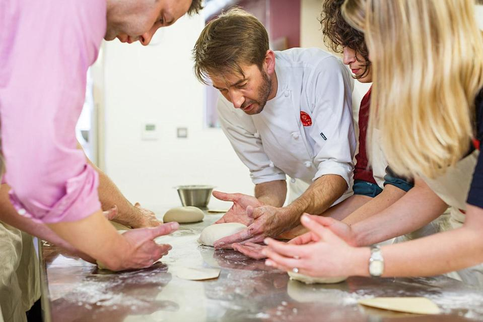 """<p>Prefer eating to moving? Fair enough, no judgement here. But why not learn how to whip up a gastropub-worthy feast of your very own with a 30-60 minute lunchtime cookery class at <a href=""""https://www.atelierdeschefs.co.uk"""" rel=""""nofollow noopener"""" target=""""_blank"""" data-ylk=""""slk:Atelier des Chefs"""" class=""""link rapid-noclick-resp"""">Atelier des Chefs</a>, London's most popular cookery school? Classes take place at Oxford Circus and St. Paul's, and cover everything from gourmet burgers to Thai street food. Once you've learned how to put a Michelin star-worthy packed lunch together, though, what are you going to do with that spare hour? Well, you could always learn Mandarin… Get a group of 6-12 colleagues together and the <a href=""""http://www.languagesatlunch.com/classes/"""" rel=""""nofollow noopener"""" target=""""_blank"""" data-ylk=""""slk:Languages at Lunch"""" class=""""link rapid-noclick-resp"""">Languages at Lunch</a> team will come to your workplace to teach you Spanish, French, German, Italian or – yes – even Mandarin. Well, it beats 15 minutes on Candy Crush, doesn't it? </p>"""