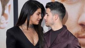 Priyanka Chopra, Nick Jonas groove to Punjabi songs before heading on stage