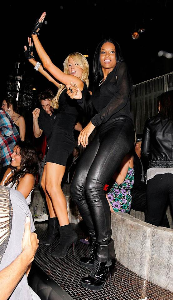 """All the single ladies, put your hands up! Christopher Polk/<a href=""""http://www.wireimage.com"""" target=""""new"""">WireImage.com</a> - April 28, 2010"""